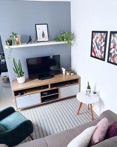 Small Apartment Interior, Small Apartment Design, Small Apartment Living, Living Room Interior, Colourful Living Room, New Living Room, Living Room Decor, Home Room Design, Living Room Designs