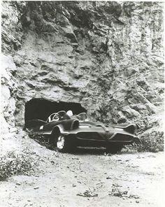 Batman: Batmobile leaving the Batcave (TV Series 1966 - Batman Y Robin, Batman 1966, Batman And Superman, Batman Stuff, Batman Tv Show, Batman Tv Series, Batgirl, Catwoman, Nananana Batman