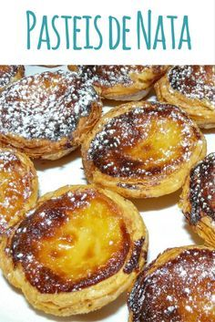 Pasteis de Nata Rezept: Puddingtörtchen aus Portugal In Portugal there is the delicious Pastéis de Nata. I baked some of the puff pastry custard with vanilla pudding and shared the recipe with you. Mini Desserts, Pudding Desserts, No Bake Desserts, Natas Recipe, Quick Puddings, Sweet Recipes, Cake Recipes, Savory Muffins, Portuguese Recipes