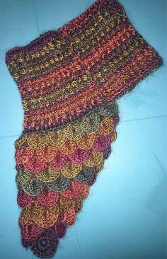 Cuello Bufanda Hecho A Mano Tejido Crochet Color Marron   Mercado Libre Cowl Scarf, Shawl, Free Crochet, Knit Crochet, Crocodile Stitch, Crochet Scarves, Neck Warmer, Baby Knitting, Diy And Crafts