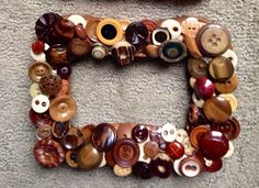 ANTIQUE & VINTAGE BUTTONS =Buttons made from bone (plain & carved), ivory (plain & carved), wood (smooth, painted & carved), leather (raw & moulded), stone & Bakelite.