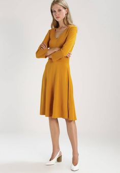 6c41c05fb KIOMI. Sukienka letnia - yellow. Materiał:84% wiskoza, 16% poliester