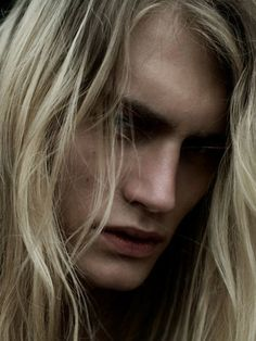 Rhaegar Targaryen- great likeness! This is exactly how I pictured him reading the books.