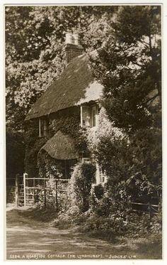 LYNDHURST - A Roadside Cottage - c1920s era