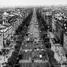 Les Champs-Elysees by WoP-Diablo on DeviantArt Triomphe, Most Beautiful Cities, More Pictures, Paris Skyline, City Photo, Images, Photos, World, Instagram Posts