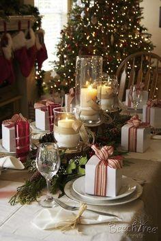 Décorer sa table pour Noël: idées et modèles.