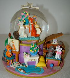 *Disney Aristocats snow globe