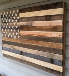 to hang on wall over guest bedroom upstairs Reclaimed pallet american flag hanging wall art 38 by Kustomwood Pallet Flag, Wood Flag, Pallet Art, Pallet Wall Decor, Pallet Crafts, Pallet Projects, Woodworking Projects, Pallet Ideas, Woodworking Plans
