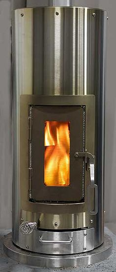 "Want ""Kimberly Stove"".a wood-burning stove for the tiny abode. Super efficient, small, heats up to 1500 sq ft. Tiny House Movement, Do It Yourself Camper, House Heater, Wood Burner, Tiny Spaces, Tiny House Living, Small Space Living, Little Houses, Tiny Homes"
