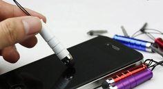 Træt af fedtede fingre eller fejlslag pga. lange negle. så ser lige her. Stylus pen i mange forskellige flotte farver til alle dine touch skærme. Køb den her hos www.phonecover.dk