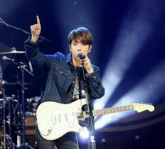 Top of the world! yonghwa
