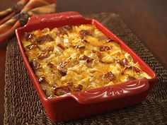 KING'S HAWAIIAN Turkey Casserole - This luscious dish of turkey and cheese is perfect for sharing a warm and loving homemade meal with the family. Hawaiian Sweet Breads, King Hawaiian Rolls, Kings Hawaiian, Hawaiian Recipes, Turkey Casserole, Casserole Dishes, Casserole Recipes, Great Recipes, Favorite Recipes