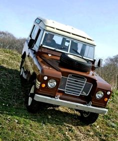 LAND/ROVER. Series-III 88'' SWB, Country-Wagon. U.K.