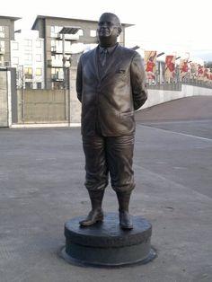 Herbert Chapman, Emirates Stadium, Arsenal.