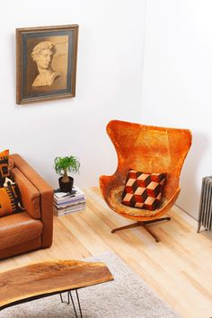 The New Rules Of Small-Space Decorating  #refinery29  http://www.refinery29.com/how-to-design-small-rooms-tips