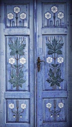 blue - azul - Door - porta - Kutná Hora, Czech Republic ...