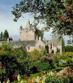 Cawdor Castle-A fourteenth century castle (+ seventeenth century additions) with park and garden. There is a flower garden beside the castle, a wild garden by the Cawdor Burn, and a walled garden (c1620), now with holly maze and thistle garden. The castle was made famous by Shakespeare, in Macbeth.
