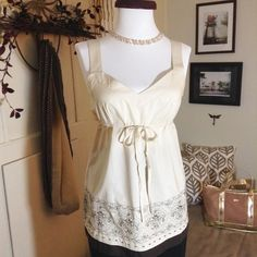 LOFT Top Beautiful new LOFT top with zipper on side for easy on and true adjustable bow/tie  LOFT Tops Blouses