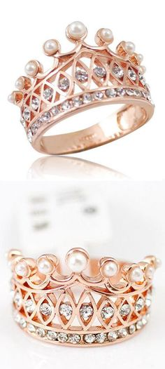 Pearl Crown Ring //Have One, but Could Never Have Enough. I would absolutely love this even as an engagement ring ! Always his queen