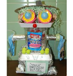 Recycled art by kids - such a school fun family event activity! Would work well at a Go Green Night!   http://www.ptotoday.com/sfn/go-green-night