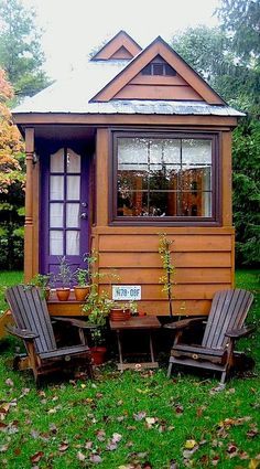 Are you pulling your hair out due to thinking of new ideas for your tiny house? We will reveal 80 best tiny house design ideas that you can ever imagine! Tiny House Kits, Cheap Tiny House, Tiny Mobile House, Best Tiny House, Tiny Houses For Sale, Tiny House Living, Tiny House Design, Tiny House On Wheels, Little Houses