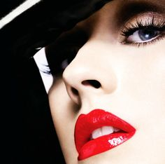 Christina Aguilera Red Lips  #lips #sexy #girls www.loveitsomuch.com