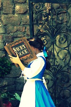 fancysomedisneymagic:  with her nose stuck in a book…