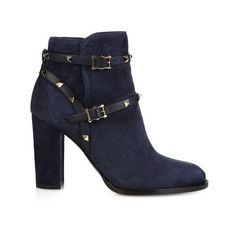 Valentino Rockstud 100mm suede ankle boots (2 370 BGN) ❤ liked on Polyvore featuring shoes, boots, ankle booties, navy, ankle boots, navy blue suede boots, suede ankle bootie, block heel booties and short suede boots