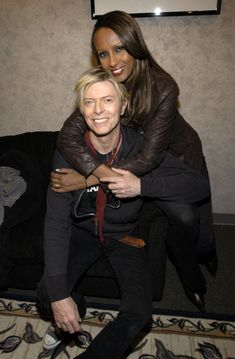 David Bowie's Extraordinary Life in 57 Photos Iman Bowie, Iman And David Bowie, David Bowie Ziggy, Images Of David Bowie, David Bowie Pictures, Rod Stewart, Mick Jagger, Bowie Starman, The Thin White Duke