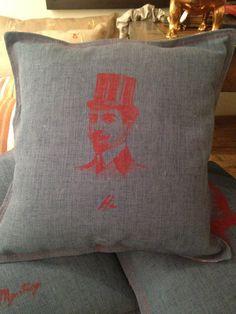 He by Gane Mio #Pillows #Home #Decor #Interior #Design #VivirBonito Visíta nuestra página www.juliana.mx