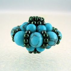 Recently I saw an amazing beaded bead on BeadsForBrains365 . Mandy gave the web link http://manogyongyei.blogspot.com/2009/01/sultan-...