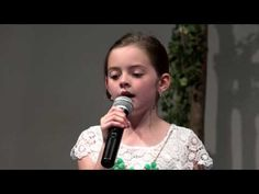 """Little Girl Changes Words To """"Hallelujah,"""" Paralyzes Crowd With Her Haunting Version 