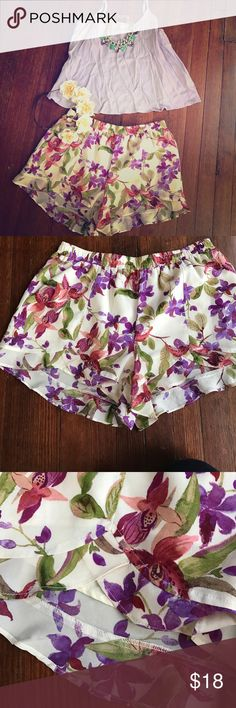Jack purple flowered shorts sz S Adorable flowing chiffon flowered shorts.  Size small! Jack by BB Dakota Shorts