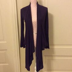 Pretty Hi-Low Versatile Purple Open Cardigan, S Boutique purchased Longsleeve high-low open cardigan, with option to tie longer pieces in front for a different look. Deep purple color, size small. Great condition, goes with everything! Dress it up or down! Piacere Di Piu Sweaters Cardigans