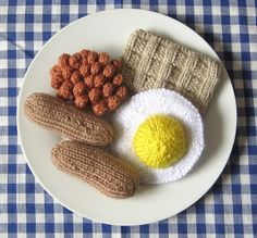 This full English breakfast. | The 25 Most British Things That Have Ever Been Knitted
