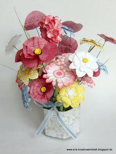 #Blumensträuße zum #Muttertag - #Callas und #Wildblumen   http://eris-kreativwerkstatt.blogspot.de/2015/05/blumenstraue-zum-muttertag-callas-und.html  #stampinup #punchart #blumen #gesteck #teamstampingart #geschenk #deko #homedeko