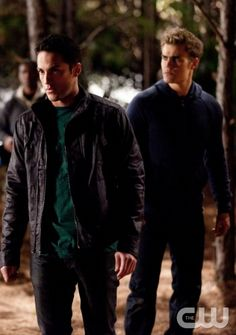 """""""Daddy Issues"""" -  Michael Trevino as Tyler, Paul Wesley as Stefan in THE VAMPIRE DIARIES on The CW.  Photo: Bob Mahoney/The CW  ©2010 The CW Network, LLC. All Rights Reserved."""