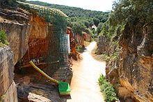 Sierra de Atapuerca. En la Gran Dolina aparecieron restos del Homo antecessor, de unos 780 000 años.