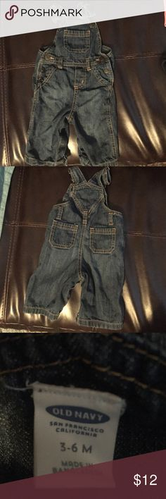 Boys old navy overalls Little boys 3-6month old navy overalls! Only worn once excellent condition! Adjustable straps and fit loose Old Navy One Pieces