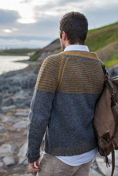 Knitting Pattern: Drangey | Men's pullover with striped yoke