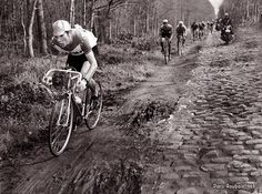 A year earlier he came very close to winning the monument, Paris Roubaix. Velo Retro, Velo Vintage, Vintage Cycles, Vintage Bikes, Paris Roubaix, Bike Poster, Bicycle Race, Old Bikes, Cycling Art