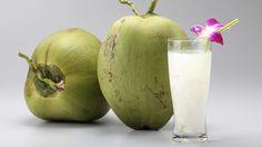 Acqua di cocco: scopriamone tutti gli incredibili benefici per la salute, e perché è adatta sia agli sportivi che a chi soffre di cellulite e fame nervosa.