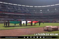 La presencia de la Gran Fuerza Armada en el Estadio Azteca por su 100º aniversario #soccer #Mexico #sports #futbol #SeleccionMexicana