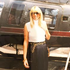 So the only similarity here is that my hair is this long again! 😀💇🏼‍♀️ Definitely NOT in New York, NOT about to go on a helicopter, NOT on my Honeymoon and sadly NOT 25! 🤣 #thursdaythrowback #happymemories❤️ #honeymoonstyle #90sfashion #mondi #backintheday #doineedahaircut . . . #thursdaystylefiles @what_nat_wore & @stylebykpa  #sparkleupthursday with @womenwithsparkle . . . #myfabulous50s  #agelessstyle #fiftynotfrumpy #over50andfabulous #over50women #over50style #fabulousover50… Fashion Over 50, 90s Fashion, Honeymoon Style, Fifty Not Frumpy, My Hair, High Waisted Skirt, York, Lady, My Style