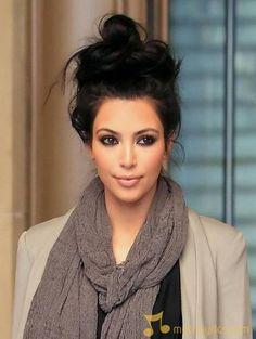 kim-kardashian-kim-kardashian-s-engagement-ring-has-bible-inscriptions.jpg (466×619)