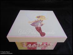 A caixa para recordações de bebé.
