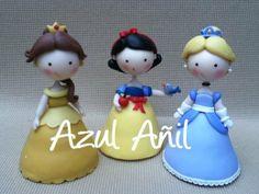 Leuk idee om van fondant te maken, 3 dinsey prinsessen...