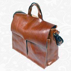 581bc175da Kožená aktovka z kvalitnej a odolnej kože. Aktovka je plochá taška slúžiaca  ako elegantné púzdro