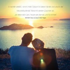 """Er Lächelt verliebt,nimmt  mein Gesicht in seiner Hände und wischt die herunterlaufende Träne mit seinem Daumen ab. """"Ich liebe dich Leni, heute wie damals und für immer"""" © RESTART- Heute wie damals, Leni und Paul- eine unvergessliche Liebesgeschichte"""