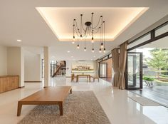 """A Tour Of The Amazing """"Lobster House"""" By Puchong Satirapipatkul Modern Modular Homes, Modern Contemporary Homes, Small Modern Home, Modern Style Homes, Bungalow House Design, Modern Bungalow, Lobster House, Thai House, Chandelier"""